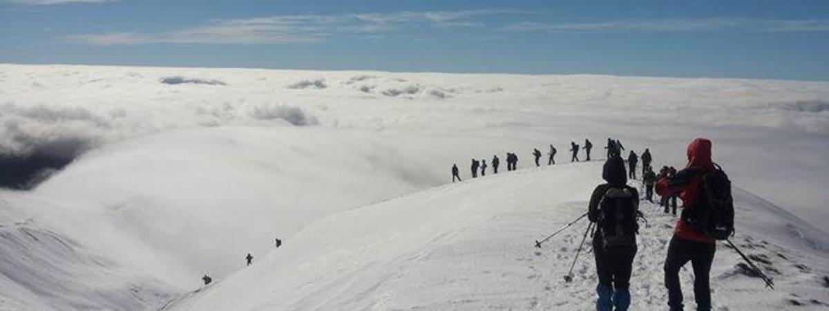 Escursione su neve (?) lungo la Via Ducale
